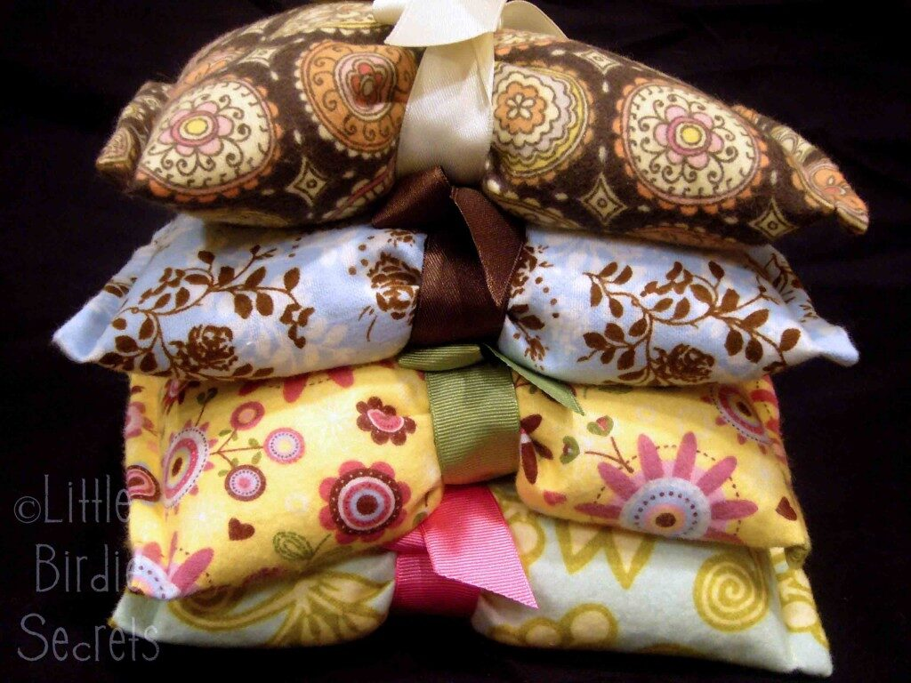 Inexpensive Easy Homemade Gifts- rice bag warmers