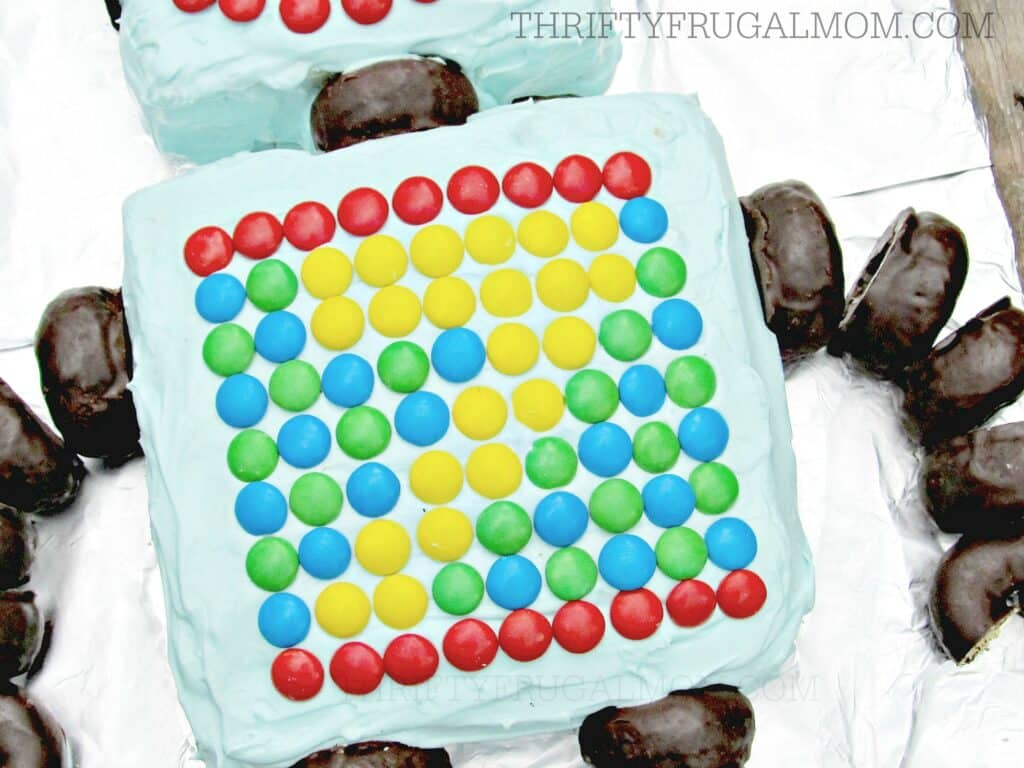 Easy Robot Boy Birthday Cake (Body)