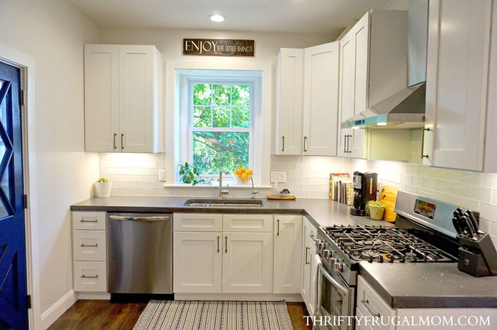 White Kitchen Remodel ideas